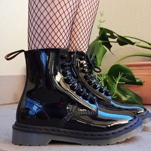NWOT - Dr Martins Patent Leather Stud Boots - 9